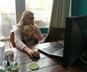 CoWomen working mum